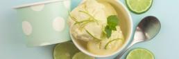 Iskrem laget av skyr lime